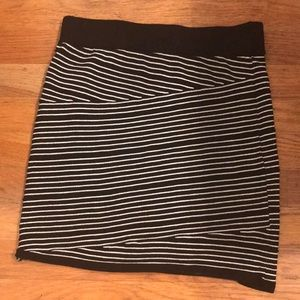 A BLACK & WHITE STRIPED PENCIL SKIRT